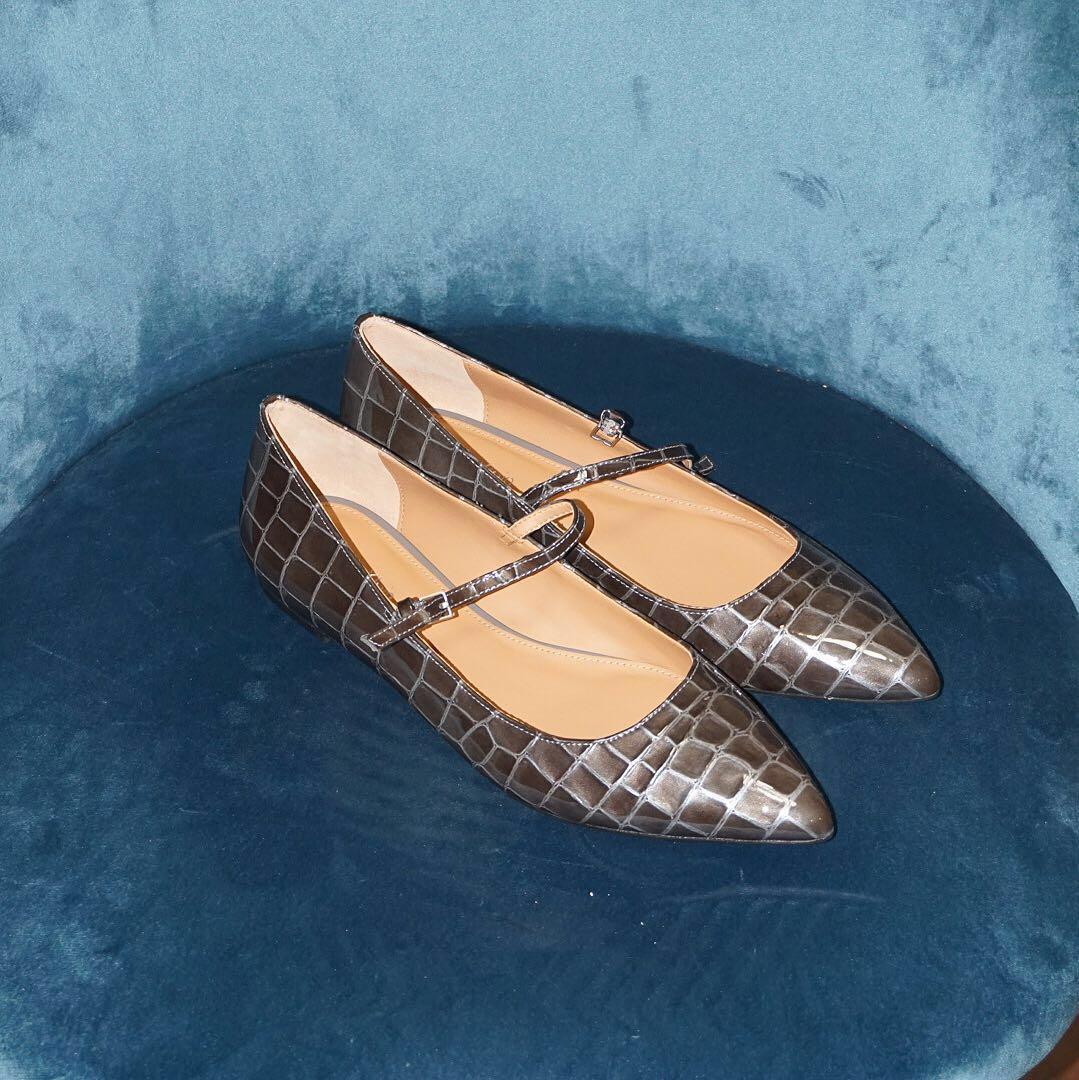 *NWOB* Calvin Klein Gracy Mary Jane Flats Women Size 7.5