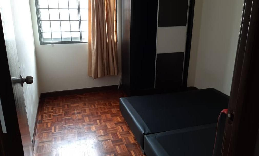 SMALL ROOM AND MASTER ROOM VACANT