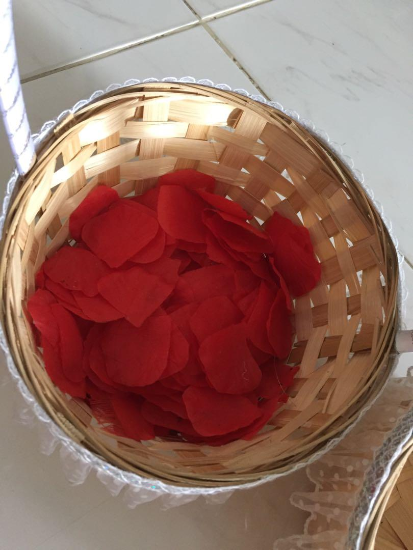 WEDDING PETALS BASKET WITH DECORATION