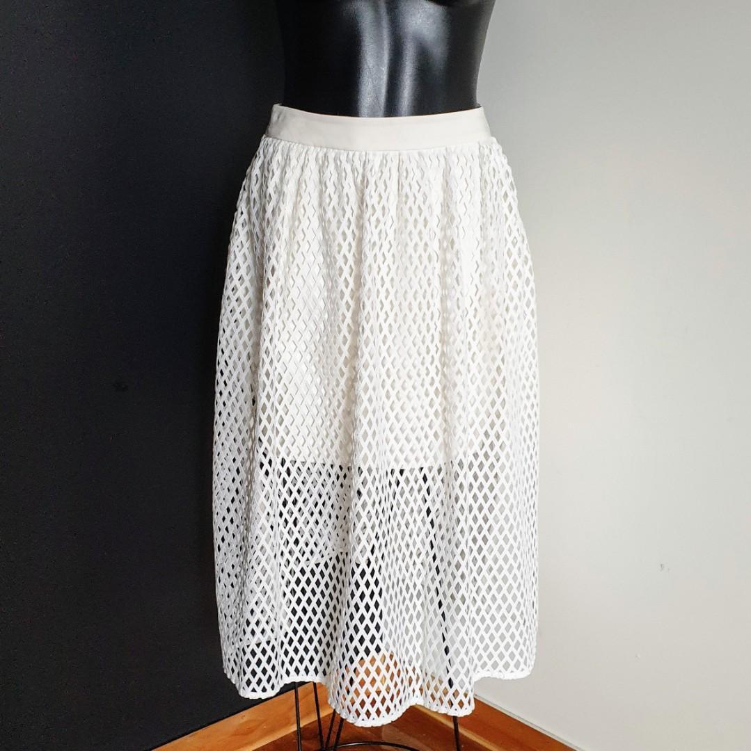 Women's size 36 'KOOKAÏ' Stunning ivory aria midi skirt - AS NEW