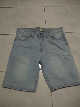 Celana Pendek Pria /Celana Pull&Bear/Jeans Pendek