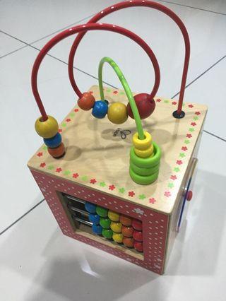 Hape Activity Cube