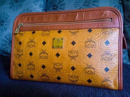 MCM CLUTCH BAG ORIGINAL
