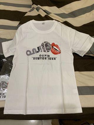 Olivia Newton John 演唱會紀念T-shirt 男女皆可 M號