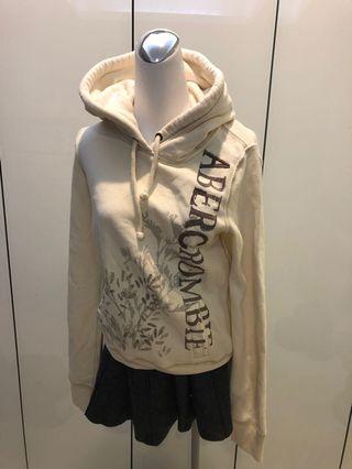 [不平凡小姐]美國帶回 美國品牌Abercrombie&Fitch A&F 米白刺繡英文字連帽上衣