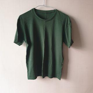 草地綠 短袖上衣 lativ 少穿