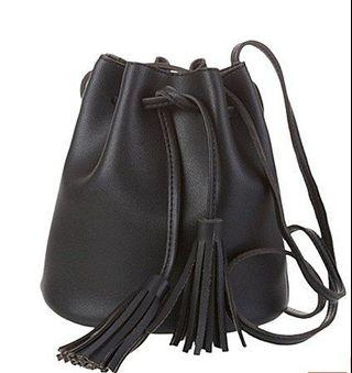 Sling bag Tas Serut Wanita like Miniso Hitam backpack