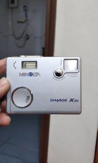 Minolta Dimage X20 made in Japan