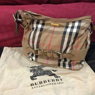 Burberry Handbag Rounding ADJ Sec-Hand (PRICE NEGO)