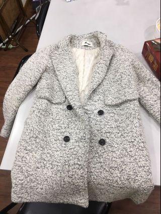 花灰色挺版厚長大衣外套