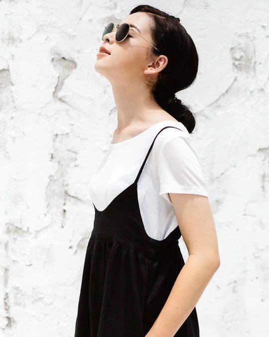 洋裝|亞麻細吊帶背心裙 黑色 棉麻 購於Pinkoi 泰國品牌 makersgonnamake