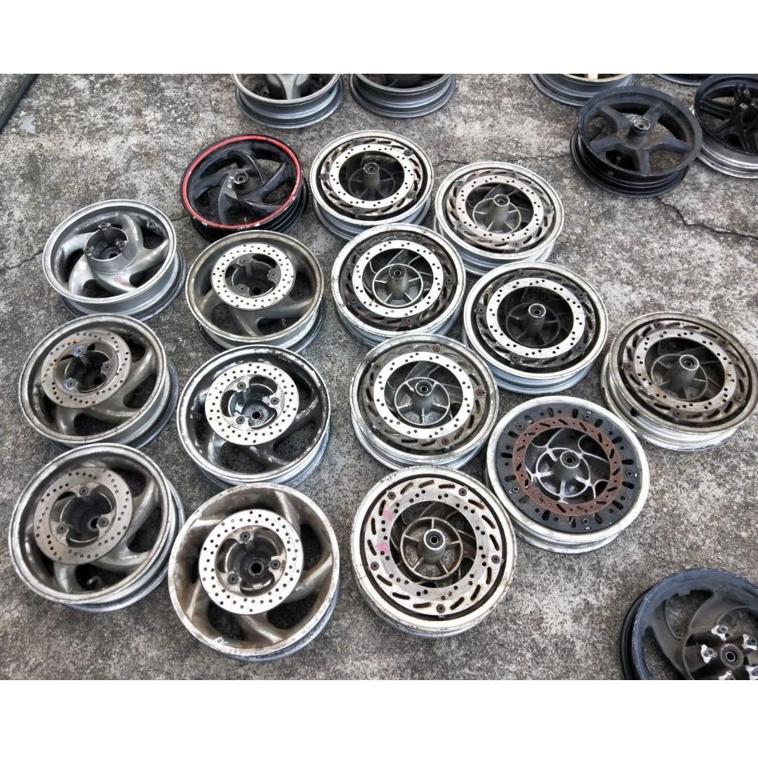 達成拍賣 三陽 RV 150 180 鋁圈 輪圈 鋁框 輪框 一顆500 碟盤 200 中古零件拆賣 各式中古零件均有販售 歡迎詢問