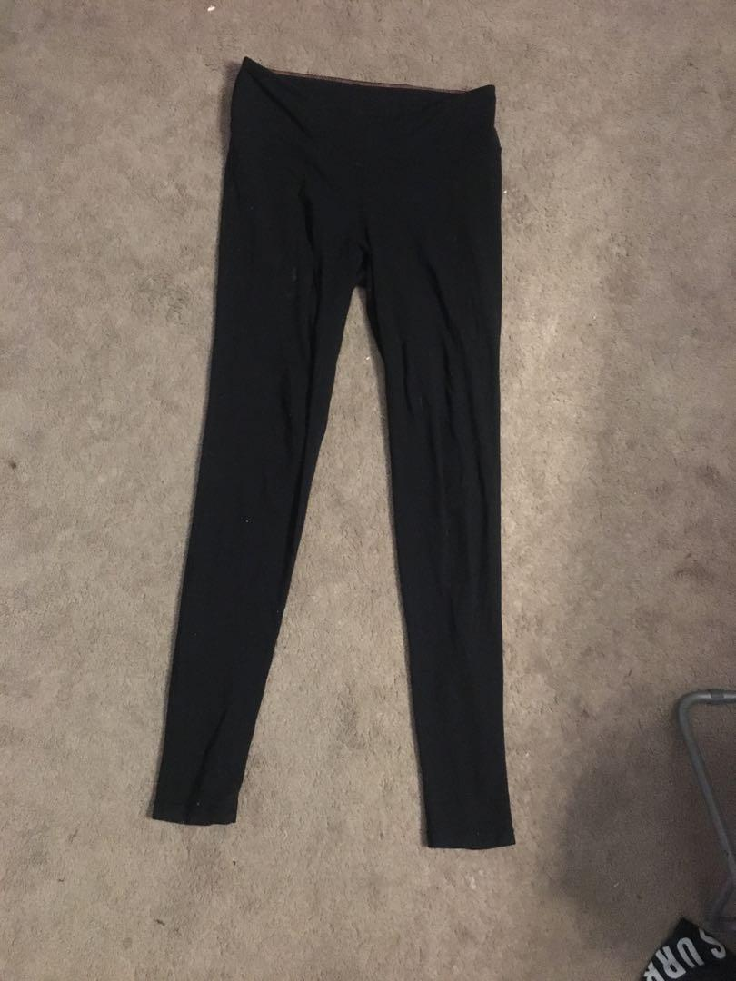 Aritzia/TNA Leggings Size Small High-Waisted For Sale (1 pair left)
