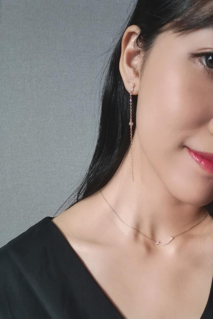 Classy Gold Necklace