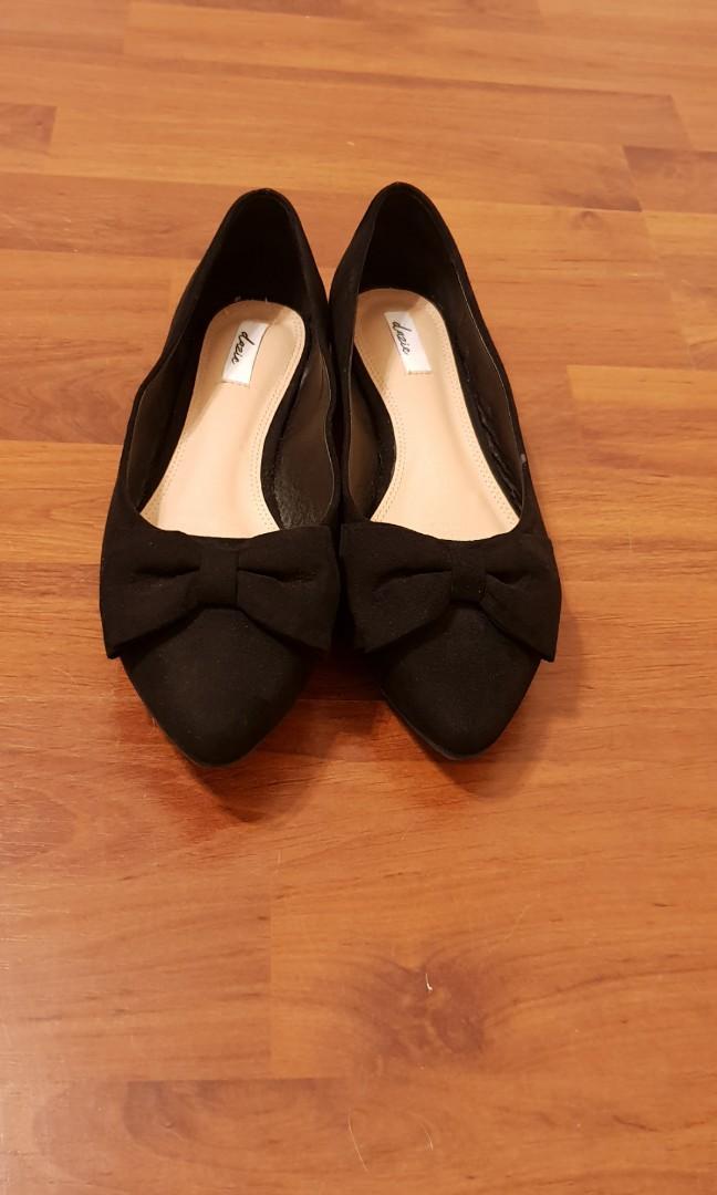 Dazie Womens Black Bow Flats, Suede, Size: EUR 38, AUS 8.