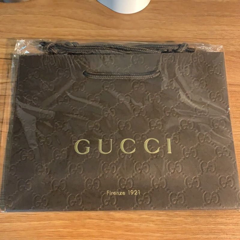 Gucci燙金原廠壓紋紙袋