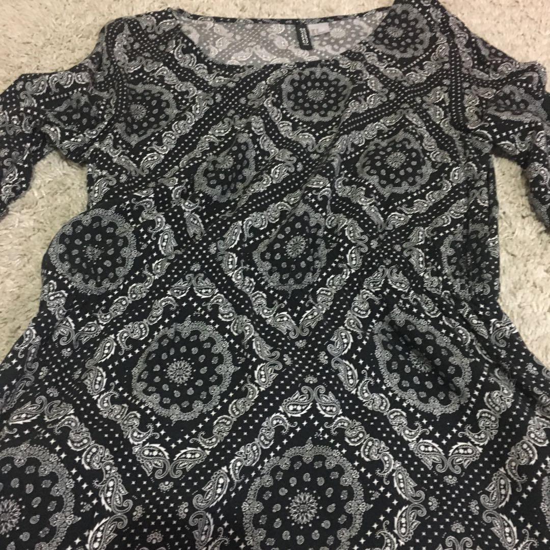 H & M Dress Black Paisley