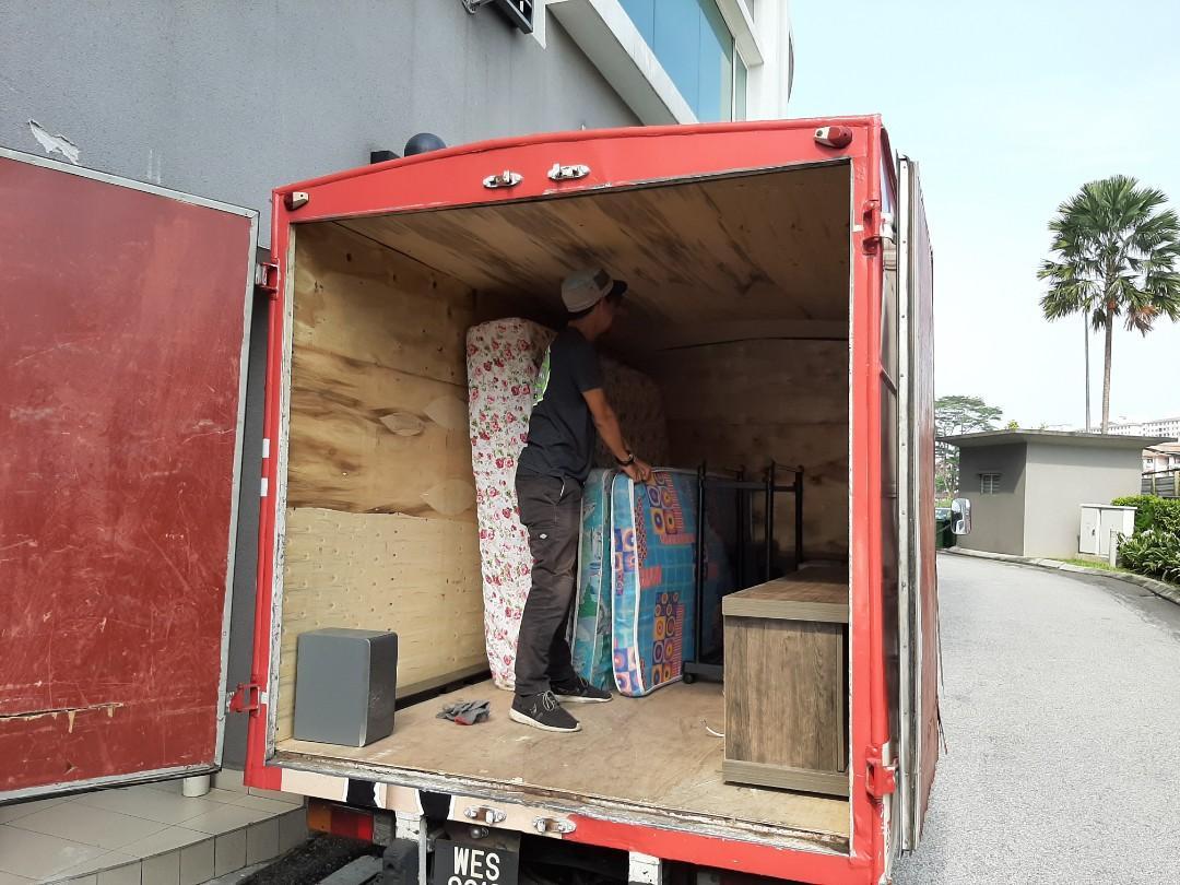 Lori service & 4x4 mover