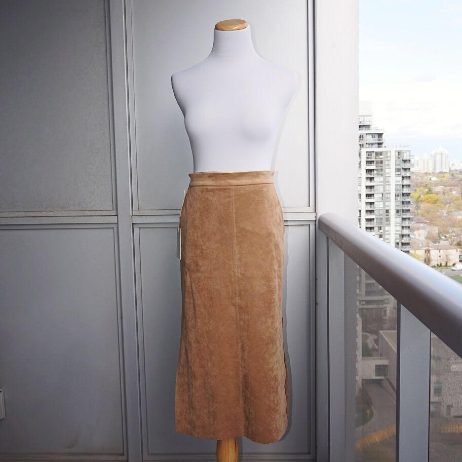 *NWT* Wilfred Crémazie Skirt in Camel Women Size 4