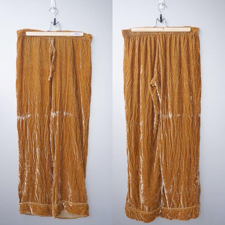 *Perfect Condition* Reformation Nolan Silk Velvet Pants Size S
