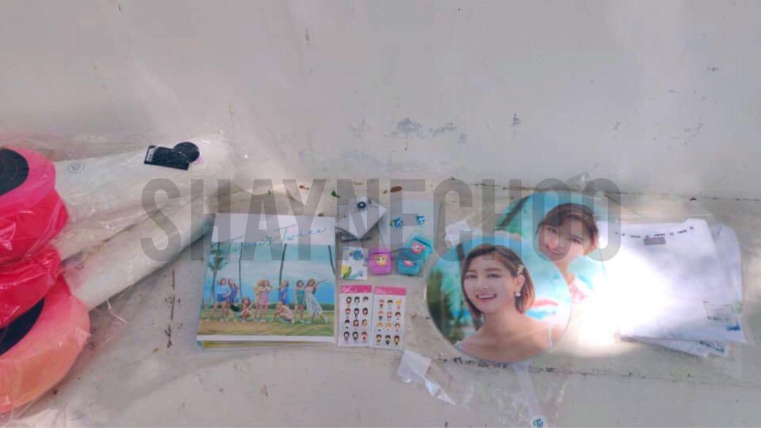 SECURED ORDERS FOR TWICE TWAII SG POPUP STORE GROUP ORDER