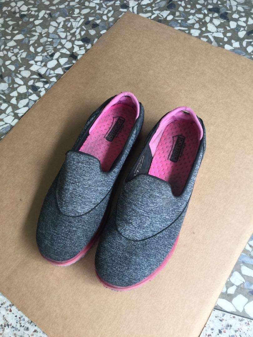 Sketches 鞋+cross 鞋+adidas 褲-3piece