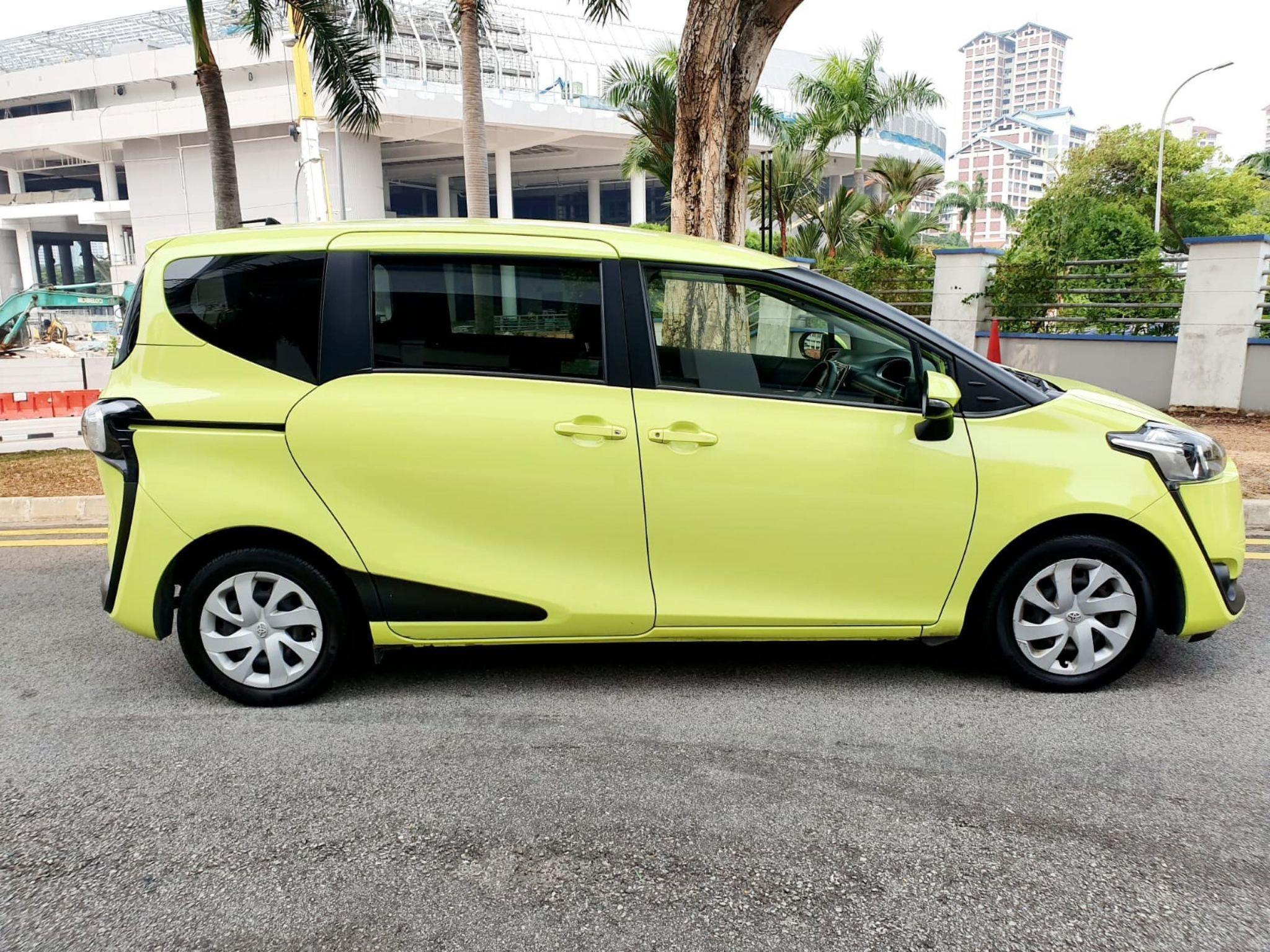 Toyota Sienta 1.5 G Auto