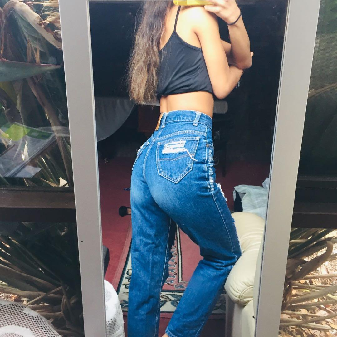 VINTAGE somewhere high waisted ripped straight leg jeans