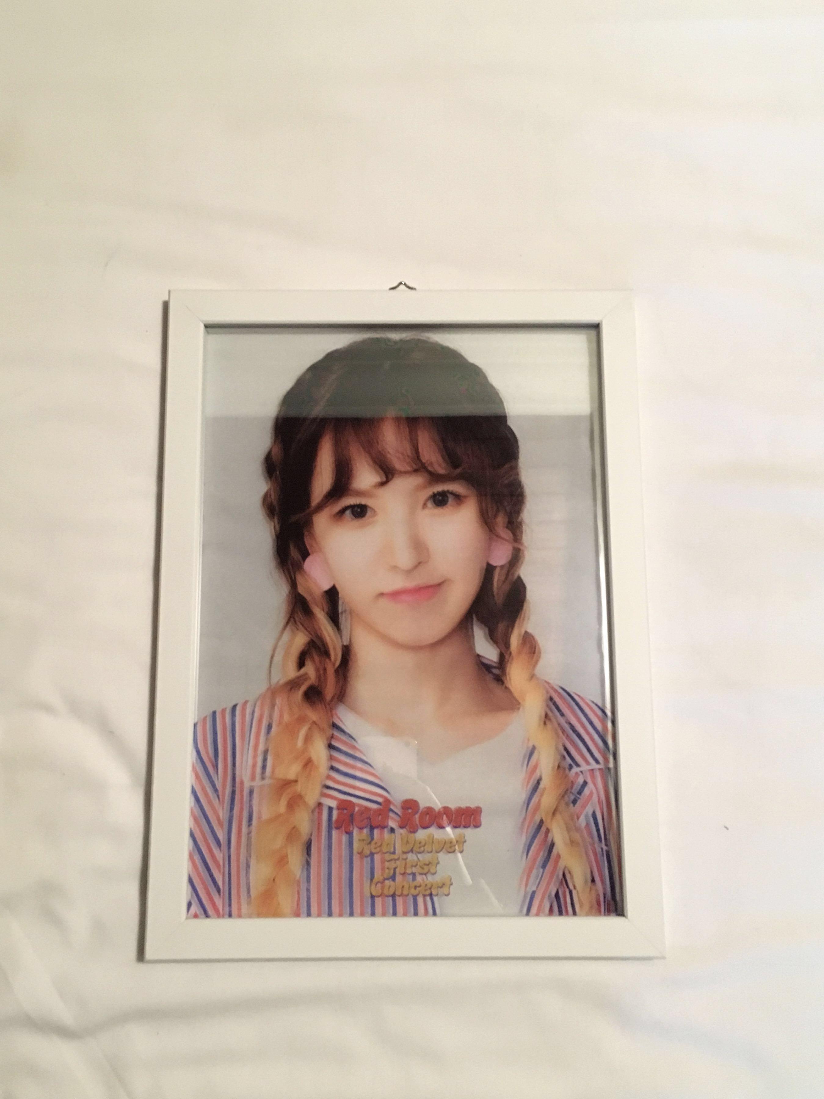 [WTS] Official Red Velvet 1st Concert Red Room - Transparent Photo Frame (WENDY ver.)