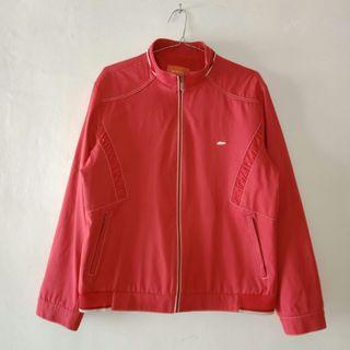 Jaket wanita merah elegan