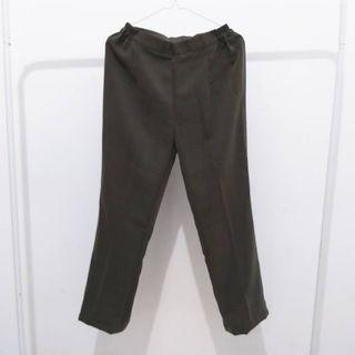 Celana panjang warna hijau army