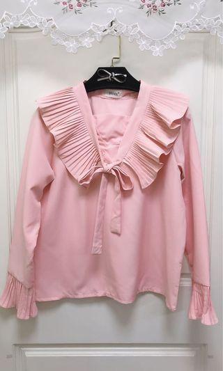 9.5成新/適小L內/細摺領綁結粉色上衣、超美
