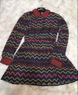 9.5成新/幾何圖形縮腰雪紡洋裝/顏色配色都非常搶眼喔