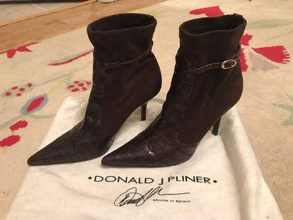 Donald J Pilner Crocodile Skin Heels