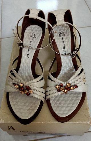 Sepatu wanita hush puppies