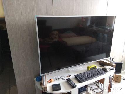 大螢幕的視覺享受 【Panasonic 國際牌】49型FHD液晶顯示器