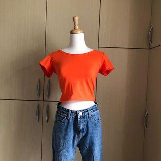 小辣椒🌶️彈性顯胸正橘短版上衣