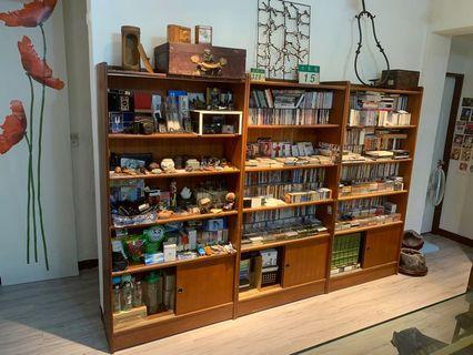 老書櫃 已讓出 其他物品都有售 歡迎詢問 這裡請不要下標哦