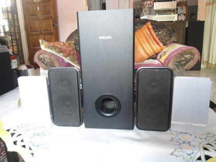 PHILIPS SW3366 Subwoofer and 4 Satellite speakers