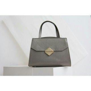 CNK accent sling bag