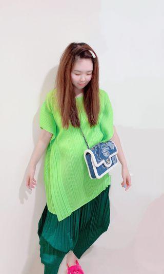三宅一生 lssey miyake  黃綠色造型波麗樂章長圓領短袖上衣
