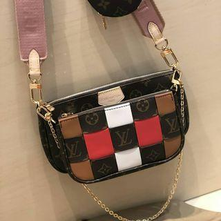 Pre-Orders Only 🛍️ Lv Pochette Multipurpose Limited Edition /Boutique Quality