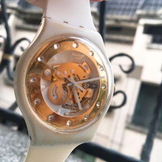 (二手)SWATCH防水材質女錶/白色