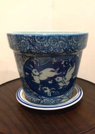 Vintage porcelain blue and white pottery water bucket  RM 38