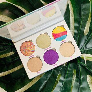 Fantasy Drenched Highlighter/Eyeshadow Palette