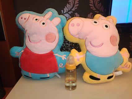 Peppa pig 佩佩豬抱枕2個