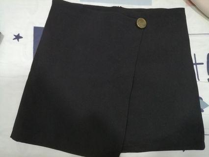 A shape short Skirt