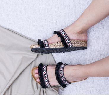 Bohemian sandal hitam