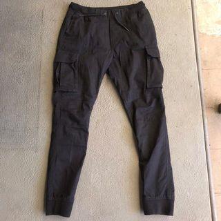 H&M DIVIDED JOGGER PANTS