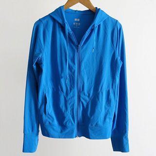 日本UNIQLO 藍色防曬透氣連帽薄外套M